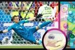 Tờ tiền tiên tri dự đoán đúng màn cản phá bằng chân của thủ môn Nga?