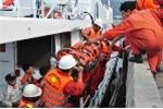 Điều tàu cứu ngư dân bị tai biến trên biển