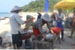 Chợ hải sản tươi ngon có 'view' đẹp nhất nhì Việt Nam