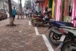 Vạch phân chia 'uốn lượn' trên vỉa hè Hà Nội gây xôn xao: Đại diện quận lý giải