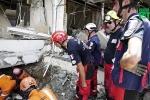 Kỳ diệu tìm thấy người còn sống sau 7 ngày dưới đống đổ nát ở Indonesia