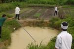 Hai anh em ruột chết đuối thương tâm dưới hố nước ở Quảng Ninh