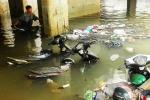 Clip: Hầm gửi xe hóa bể bơi, dân Sài Gòn xót xa nhìn xe ngâm trong biển nước