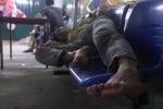 Video: Hàng ngàn người trắng đêm thẫn thờ vì dịch sốt xuất huyết tấn công