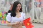 My nhan 'Nong cung World Cup' ruc ro tren khan dai, tiep lua U23 Viet Nam hinh anh 1
