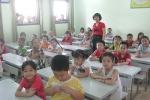 70 học sinh lớp 1 chen chúc trong một lớp ở Hà Nội