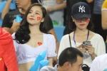 My nhan 'Nong cung World Cup' ruc ro tren khan dai, tiep lua U23 Viet Nam hinh anh 5