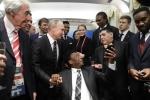 Bốc thăm World Cup 2018: Pele ngồi xe lăn, bắt tay Tổng thống Putin