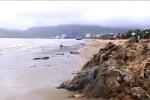 Sau bão số 12, bờ biển Quy Nhơn hứng chịu 800 tấn rác
