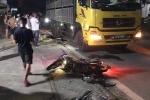 Xe máy kẹp ba đâm đuôi xe tải, 2 chú cháu thiệt mạng ở Hà Tĩnh