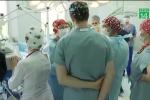 Hàng trăm bác sỹ cảm thấy 'bị xúc phạm' vì được… tăng lương