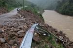 Mưa lũ càn quét Bắc Bộ, ít nhất 25 người chết và mất tích