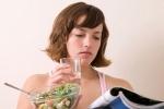 Những sai lầm khi uống nước ít người biết: Uống nước sau khi ăn làm tăng nguy cơ béo phì