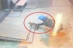 Clip: Cô gái đi xe tay ga trộm chó nhanh như chớp ở Kiên Giang