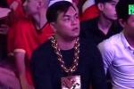 Sự thật đại gia đeo 13 kg vàng ngồi sân Mỹ Đình cổ vũ đội tuyển Việt Nam