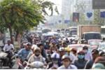 Video: Người dân đổ về quê ăn tết, cửa ngõ TP HCM kẹt cứng
