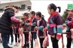 Trường học tặng thịt lợn, chân giò cho học sinh ăn Tết