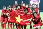 Cầu thủ tuyển nữ Việt Nam góp 160 triệu mua tivi cho ban huấn luyện