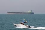 Iran tung video bắt tàu buôn lậu dầu