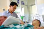 Ông bố tình nguyện hiến da để ghép cho con trai bị bỏng nặng