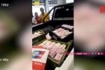 Clip: Tài xế xe buýt mang 1 tấn tiền xu đi mua xe sang BMW