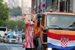 Những cô nàng Croatia xinh đẹp khàn giọng với người hùng World Cup