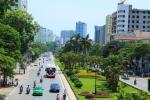 Ảnh: Hà Nội xén dải phân cách trên đường đẹp nhất Việt Nam để chống ùn tắc
