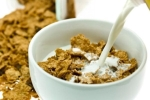Phát hiện mới: Ăn vặt giúp ngủ ngon hơn