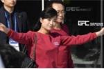 Thần thái đỉnh cao của nữ ca sỹ tháp tùng ông Kim Jong-un
