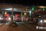 Xe đầu kéo dàn hàng tại trạm Cầu Rác phản đối giá vé 'cắt cổ'