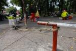 Ảnh: Muôn kiểu lắp barie trên phố Sài Gòn