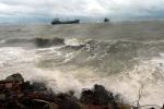 Tin mới nhất siêu bão MANGKHUT: Gió giật trên cấp 17 quần thảo Biển Đông