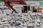 Mang phận con gái, hàng trăm bé sơ sinh Pakistan bị vứt ra bãi rác