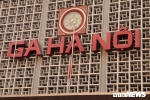 Ảnh: Cơ quan, công sở Hà Nội treo cờ rủ Quốc tang nguyên Tổng Bí thư Đỗ Mười