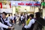 Vữa rơi vào đầu học sinh ở Hà Nội: Đóng cửa phòng học nguy hiểm