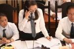 Xét xử bác sĩ Hoàng Công Lương: Nữ luật sư rơi nước mắt sau 3 tiếng bào chữa