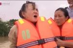 Rơi nước mắt cảnh sản phụ khổ sở 'vượt cạn' trong mưa lũ