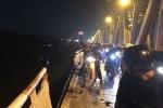 Xe Mercedes lao xuống sông Hồng, 2 người chết: Sẽ họp thay đổi luồng xe qua cầu Chương Dương