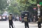 Video: Cảnh sát Nghệ An thuyết phục kẻ ôm hàng nóng cố thủ ra đầu hàng thế nào?
