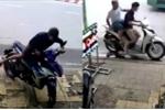 Chủ nhà cuống cuồng phóng xe máy đuổi theo tên trộm