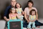 Chết cười với biểu cảm 'khó đỡ' của các bé khi mẹ sinh thêm em