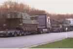 Video: Quá khổ, quá tải, hàng loạt pháo tự hành Mỹ bị cảnh sát Đức tạm giữ