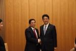 Thủ tướng Nhật Bản Shinzo Abe hội kiến với ông Phạm Minh Chính