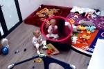 Bé trai 2 tuổi ở Hà Nội bị giúp việc đánh đập, quăng quật