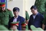 Toàn cảnh xét xử đường dây đánh bạc nghìn tỷ đồng ngày 14/11: Hai cựu tướng công an vào phòng y tế vì tăng huyết áp