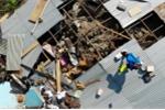 Video: Xót xa người dân 'thị trấn thây ma' ở Indonesia bới rác ăn sau động đất