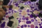 Bắt 4 con bạc sát phạt trong nhà nghỉ ở Huế