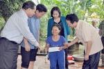 Bộ trưởng Trần Hồng Hà thị sát lũ lụt, tặng quà cho người dân Thanh Hóa