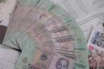 Nhặt được cọc tiền hơn 30 triệu đồng, 3 nam sinh tìm người trả lại