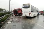 Tai nạn kinh hoàng xe cứu hỏa - xe khách trên cao tốc: Nên xem xét trách nhiệm cả 2 bên